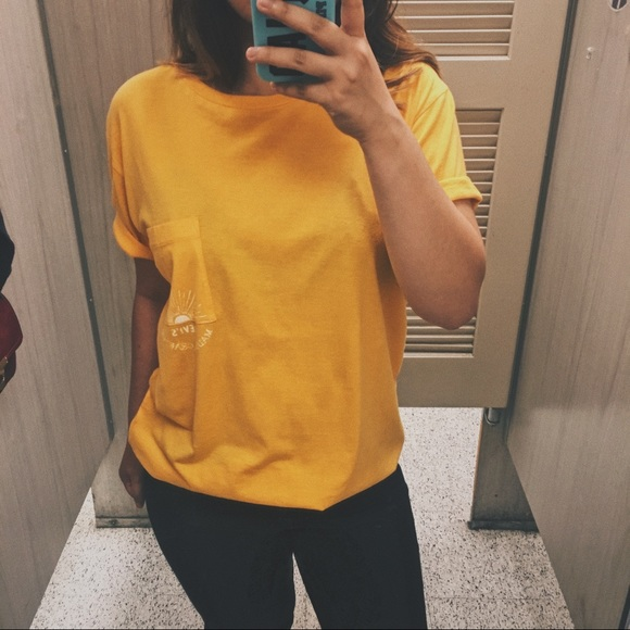 51c5586bdc9 Levi s Made   Crafted Yellow Sun Pocket T-Shirt